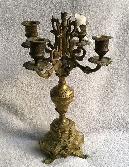 "Gilded bronze candlestick with four light-points and beautiful decoration - marked with initials ""F.G."" - late 19th century - France"