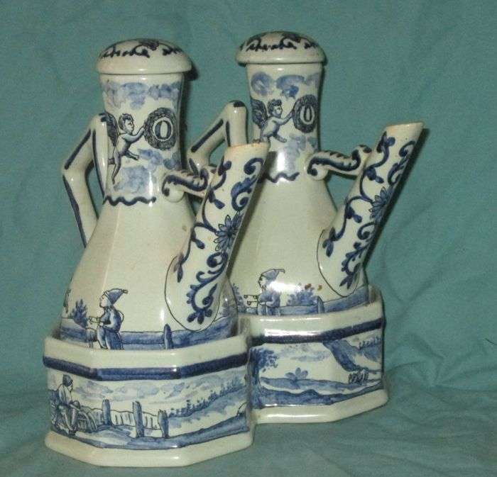 Oil and vinegar to antique Delft example