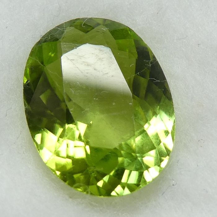 Peridot – 4.02 ct – No Reserve Price