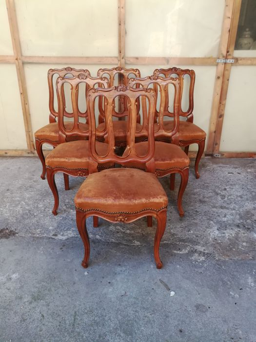 Set of six walnut chairs in Louis XV style - Italy, 1880s