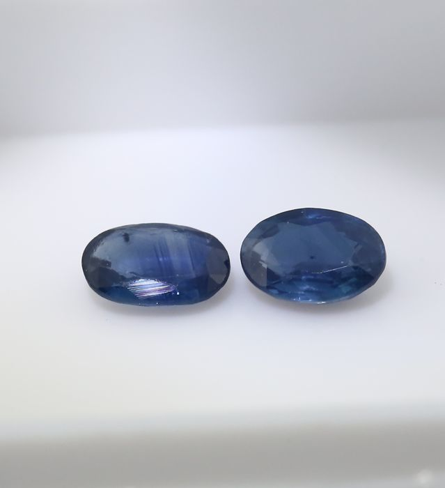 Set of 2 Sapphires - 0.47 + 0.38 = 0.85 ct total
