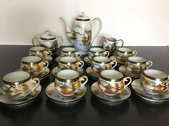 Complete coffee/tea set Fine porcelain from Japan - circa 1970