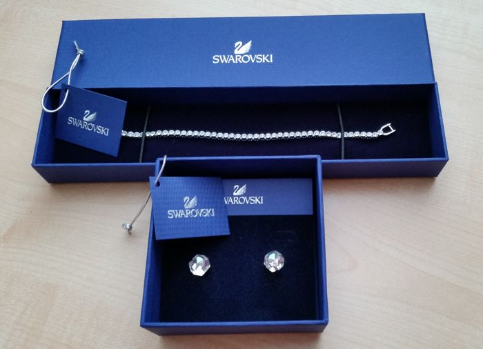 Swarovski - bracelet + earrings