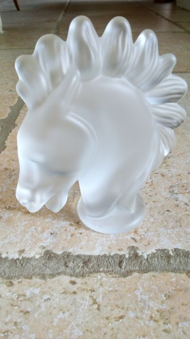 Verrerie de Vannes-le-Châtel - paperweight horse's head in frosted glass - c.1960 France Lorraine