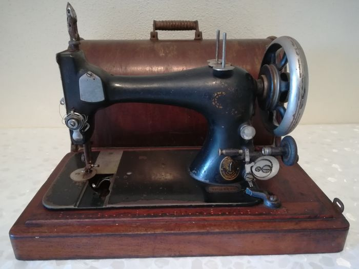 Singer Sewing Machine And Original Box 40 Catawiki Simple Original Sewing Machine