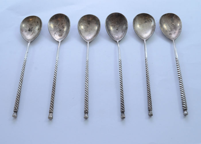Set of 6 teaspoons - 84 silver - Russia - ca. 1910