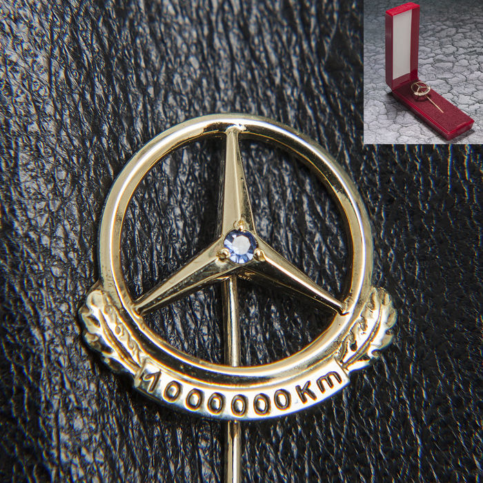 Clothing - Mercedes Benz Daimler Gold Pin 1.000.000 Km & Box - 1950-1970 (1 items)