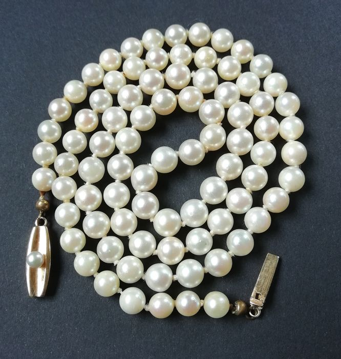 Vintage 14k pearl necklace. By Rudolf Andresen 1953-1989