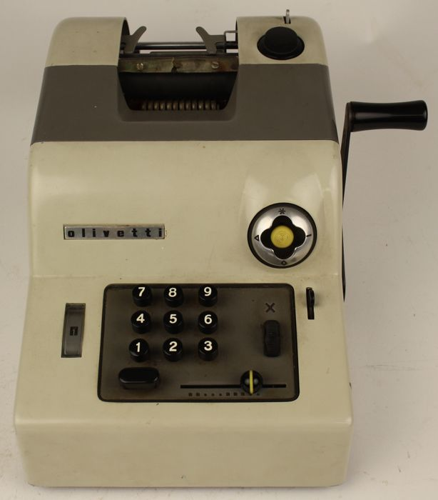 Olivetti 15 Summa - Calculation machine from 1949 - Made in Italy