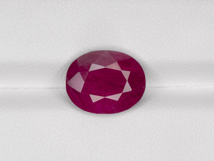 Ruby - 4.74 ct
