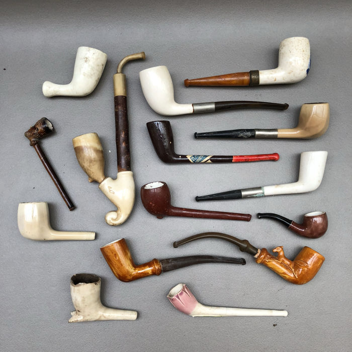 Lot with 15 various clay pipes with various finishes - Holland, England and Belgium, 1st half 20th century