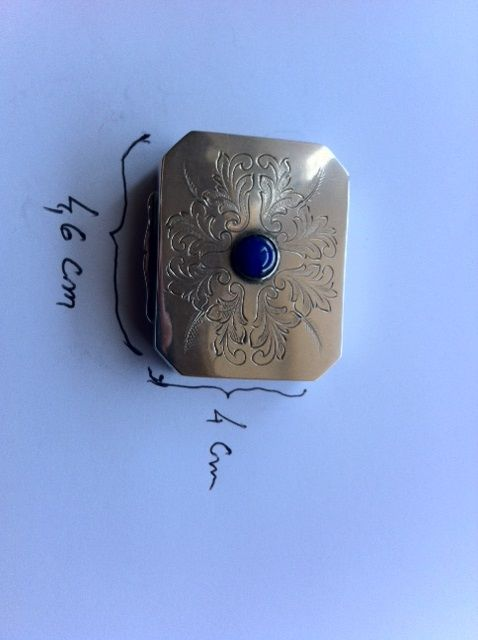 925/1000 silver snuff box, engraved with lapis lazuli stone