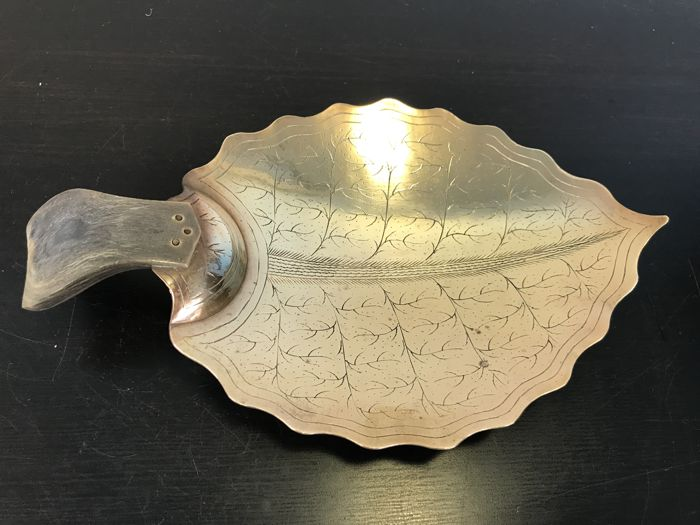 Beautiful copper Oriental bowl with bone handle - mid 20th century