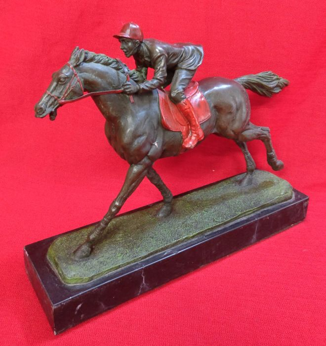 Jockey riding in bronze, lost wax casting and cold coated with marble base - Siena, Italy - 20th century