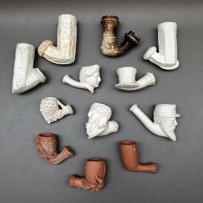 Lot with 12 various clay pipes,in red and white clay - Belgium, France, Germany and Holland, 1st half 20th century