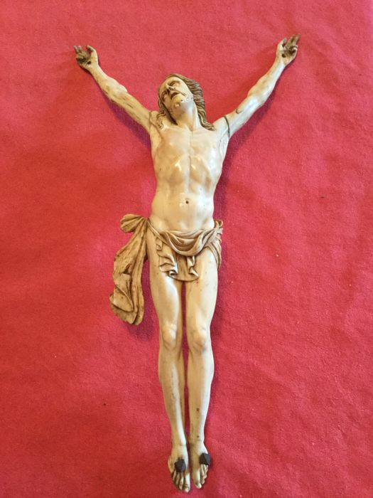 Ivory sculpture depicting Christ dying - Europe - last quarter of the 18th century