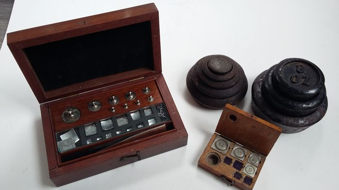 pharmacists/goldsmith box with weights - small weight box - OZ weights - England and Germany - 1850 - 1920