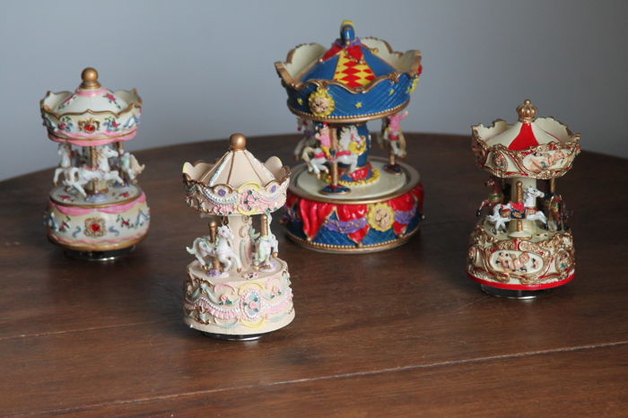 beautifully decorated and detailed music boxes lot of 4 caroussels
