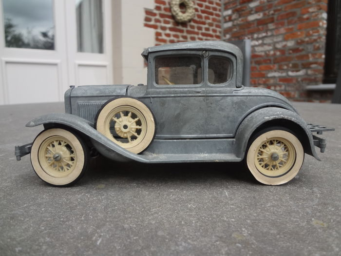 Hubley, USA - 21 cm - A Ford - around 1930