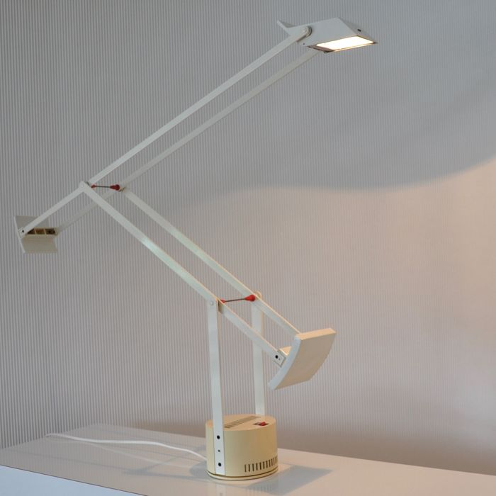 Richard Sapper for Artemide Milano - White cream-coloured large table lamp - model Tizio