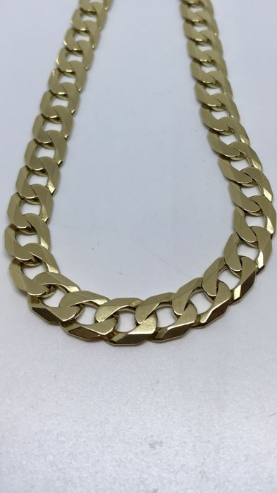 Gold curb link necklace 56.7 grams