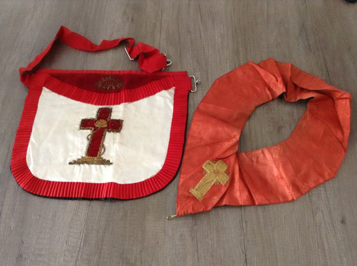 Apron plus Cordon of Freemasonry rose-croix degree