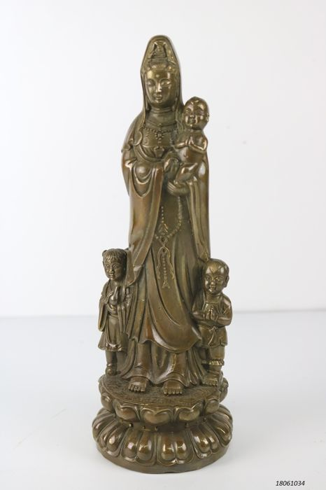 Bronze Quan yin with children - China - 21st century (26cm)