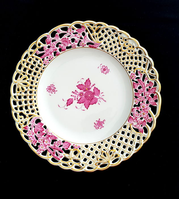Herend Reticulated Porcelain Plate 'Apponyi Purple Gold'