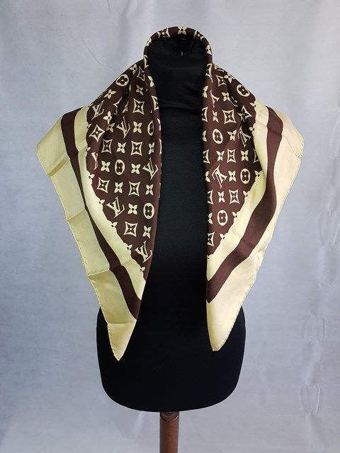 incontrare 89515 5edb2 Louis Vuitton - Foulard - Catawiki