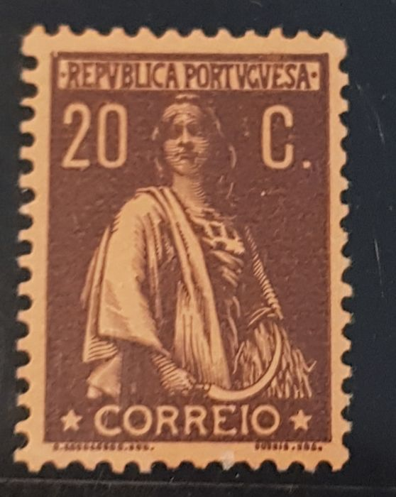 Portugal 1917 - Ceres. Perforated 12 x 11 1/2 brown on salmon - Mundifil 233a