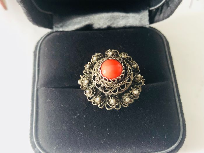 Antique filigree sterling silver Venetian coral ring, Italy 1890