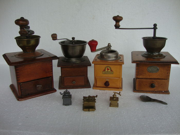 Four beautiful old lap coffee grinders and three miniatures of solid wood with copper/nickel ca. 1920 to 1945 from the Netherlands - Germany - Austria and France