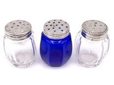 3 Antique octagonal glass pepper/salt shakers with pearl edge decorated with silver caps - 1st half 20th century