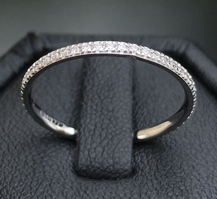 """Mauboussin - American wedding ring """"Parce que je l'aime"""" 18 kt grey god with diamonds (.25 ct) **no reserve price**"""
