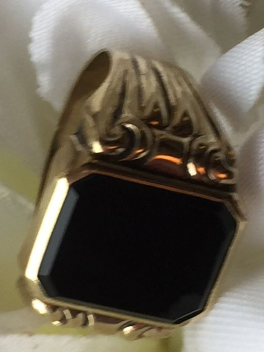 Vintage gold Men's ring with Onyx, no reserve