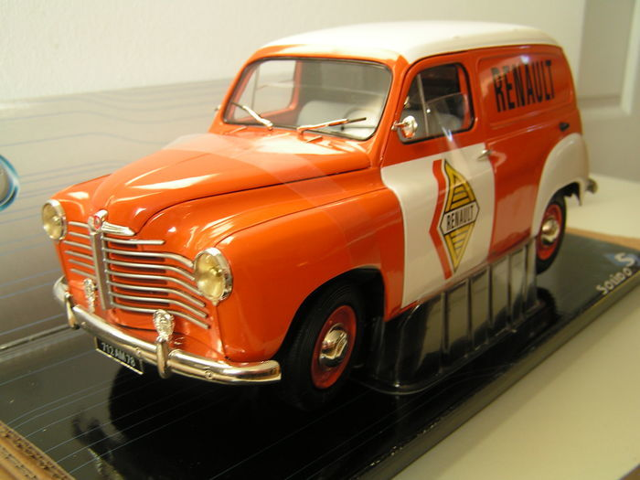 Solido - 1:18 - Renault Colorale Fourgon 1953 - In mint condition with ovp