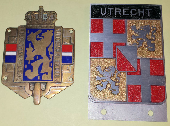 KNAC (classic) enamelled badge and Provincial badge Utrecht - ca. 1950 (estimation)