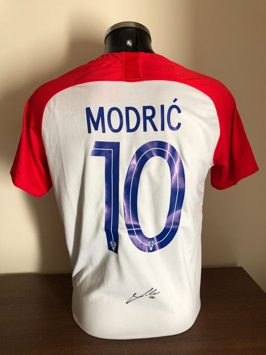 finest selection b3d5f 31a81 Luka Modric signed Croatia world cup 2018 home shirt with a ...
