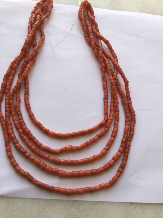 Natural red coral untreated beads - Morocco - Early  20th Century