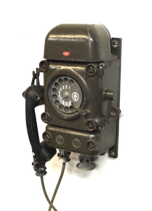 Army phone made by the company Funke + Huster, West Germany, 2nd half of 20th century