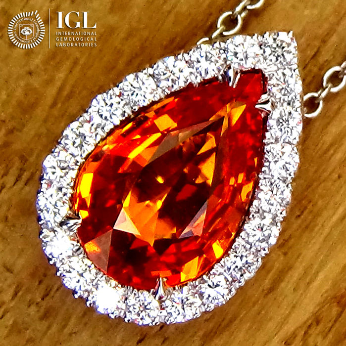 Orange sapphire pendant necklace and natural diamond in 18 kt white orange sapphire pendant necklace and natural diamond in 18 kt white gold 266 ct certified aloadofball Image collections