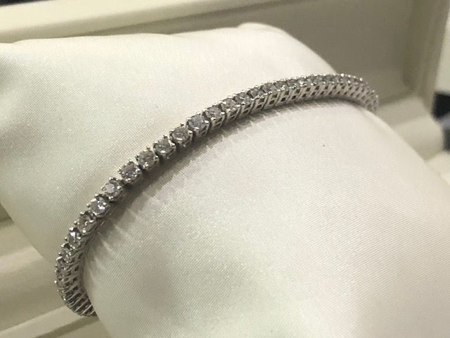 Exclusive 18 kt (750/1000) gold tennis bracelet with diamonds, made in Italy
