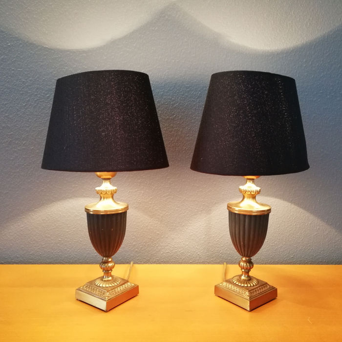 An Impressive Pair of Urn Shape Lamps - French Empire style -  Mid 20th Century