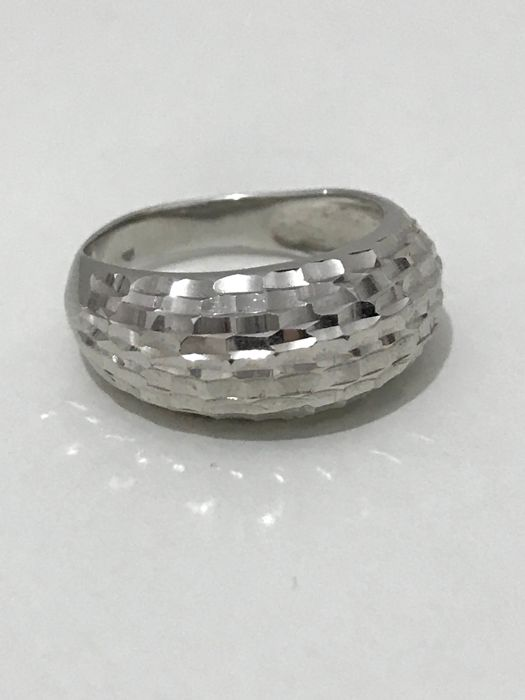 18 kt white gold ring - Weight: 6.40 g