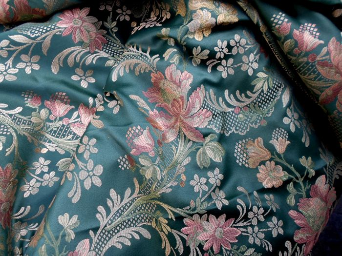 High-quality lampas fabric