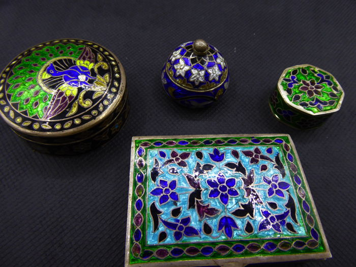 4 Beautiful crafted silver boxes