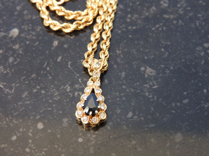Necklace - 18 kt gold - Natural sapphire and diamond - Length: 42 cm