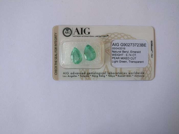 Colombian Emerald Light Green 6.74 ct  *** No Reserve ***