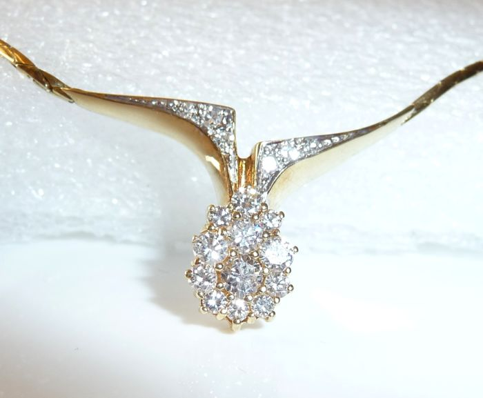 Necklace in 14 kt / 585 gold with 0.73 ct of diamonds - length 41-42 cm