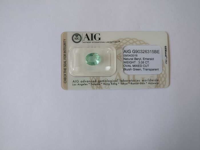 Colombian Emerald Bluish Green 3.08 ct *** No Reserve ***